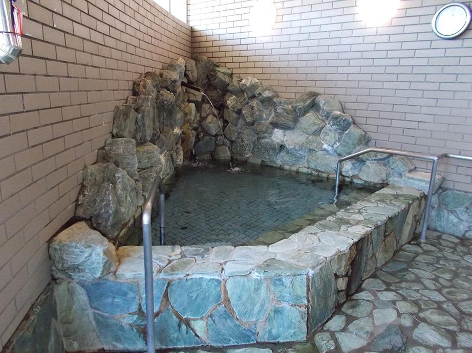 ラドン風呂で湯ラックス